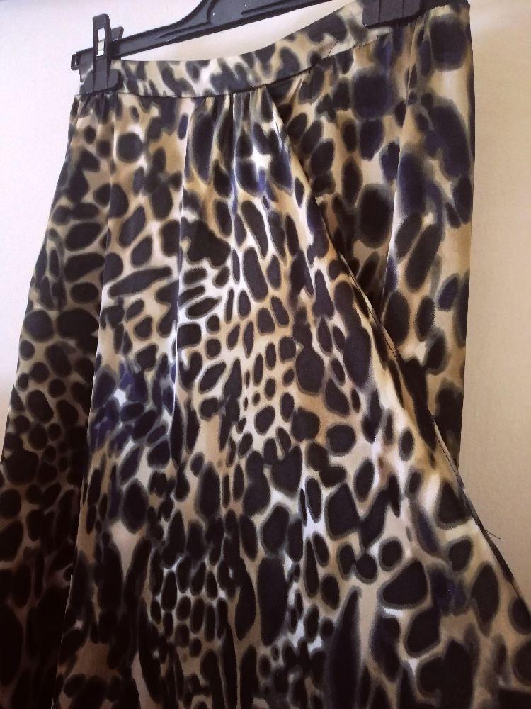Très belle jupe taille haute léopard #Mango