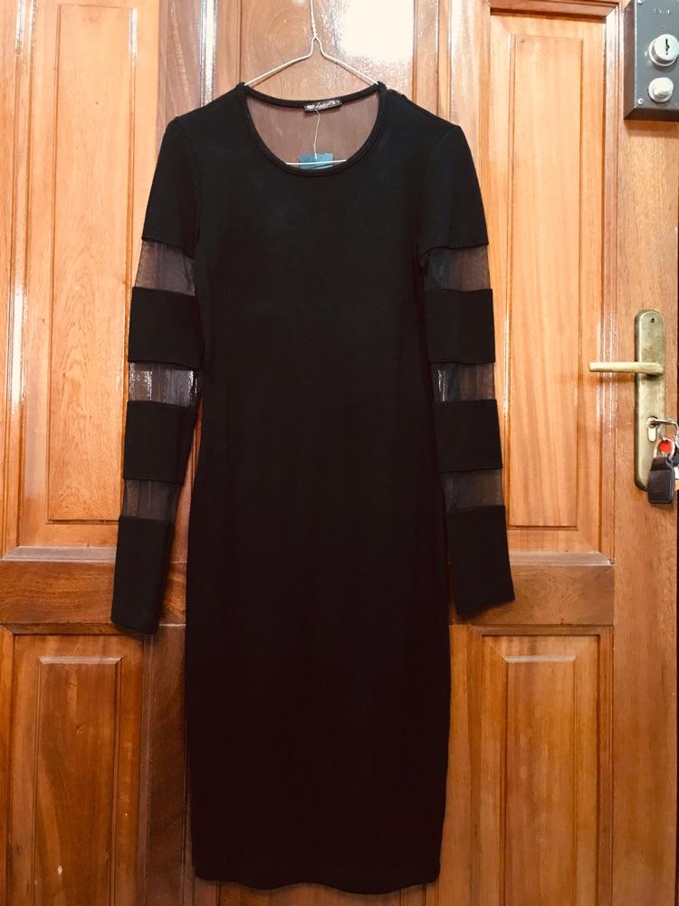 Robe mi-longue noir neuve