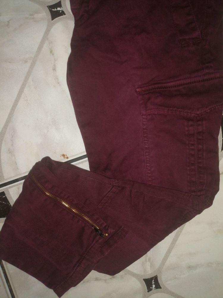 Très jolie pantalon monocrom avec poche