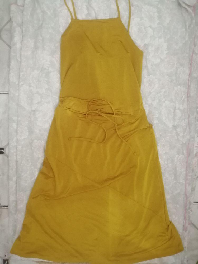 Très jolie robe zara motard