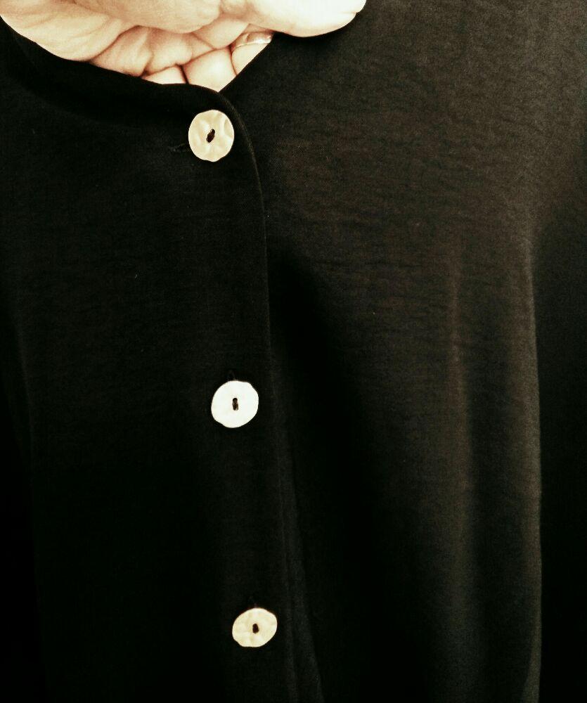 Chemise Primark à boutons dorés martelés