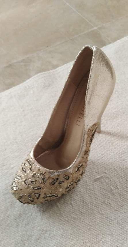 Dressing mariée chaussures mariage