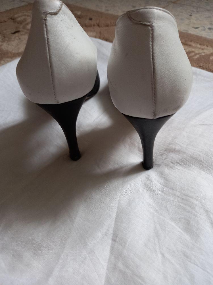 Escarpins blanc et noir