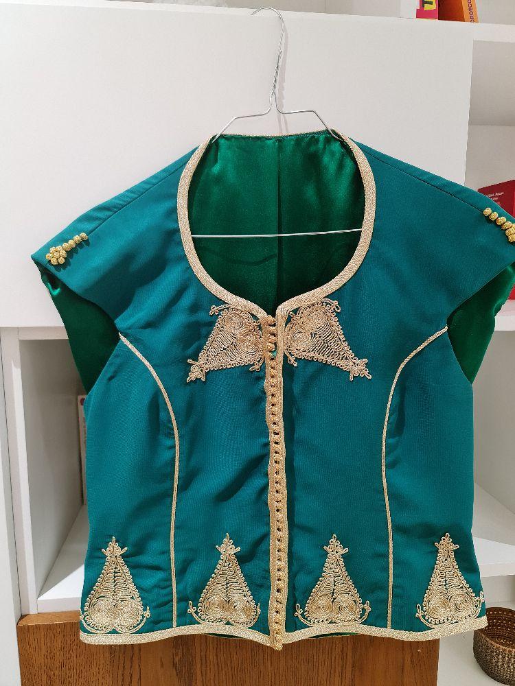 Robe avec broderie traditionnelle