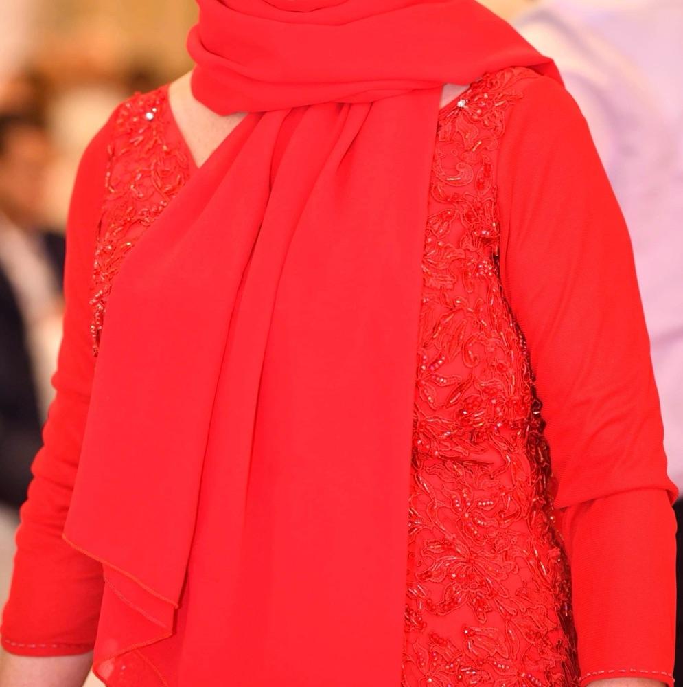 Robe rouge en excellent etat