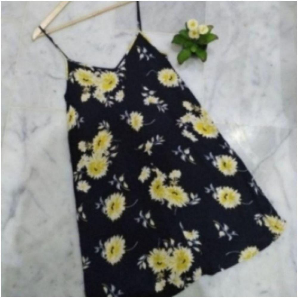 Petite robe florale Mango très sexy
