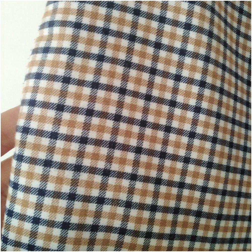 Pantalon H&m  taille haute à carreaux coupe carotte jamais porté