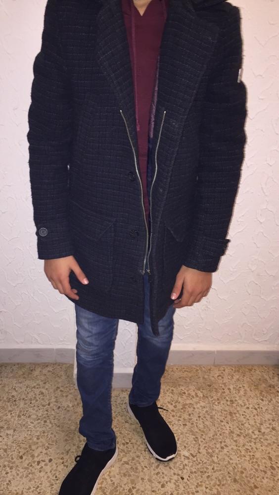 Manteau defacto