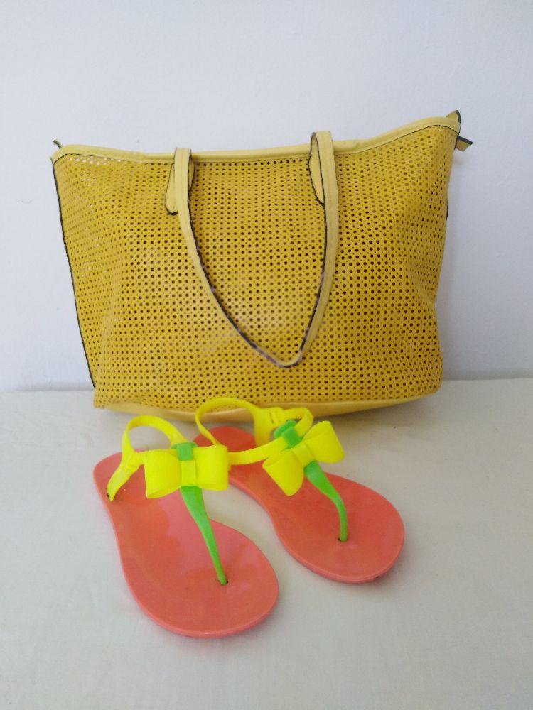 Sandales avec sac gratuit