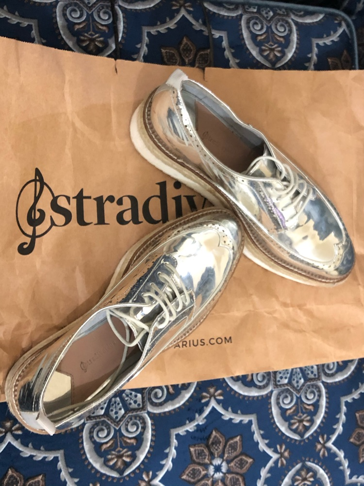 Derby Stradivarus