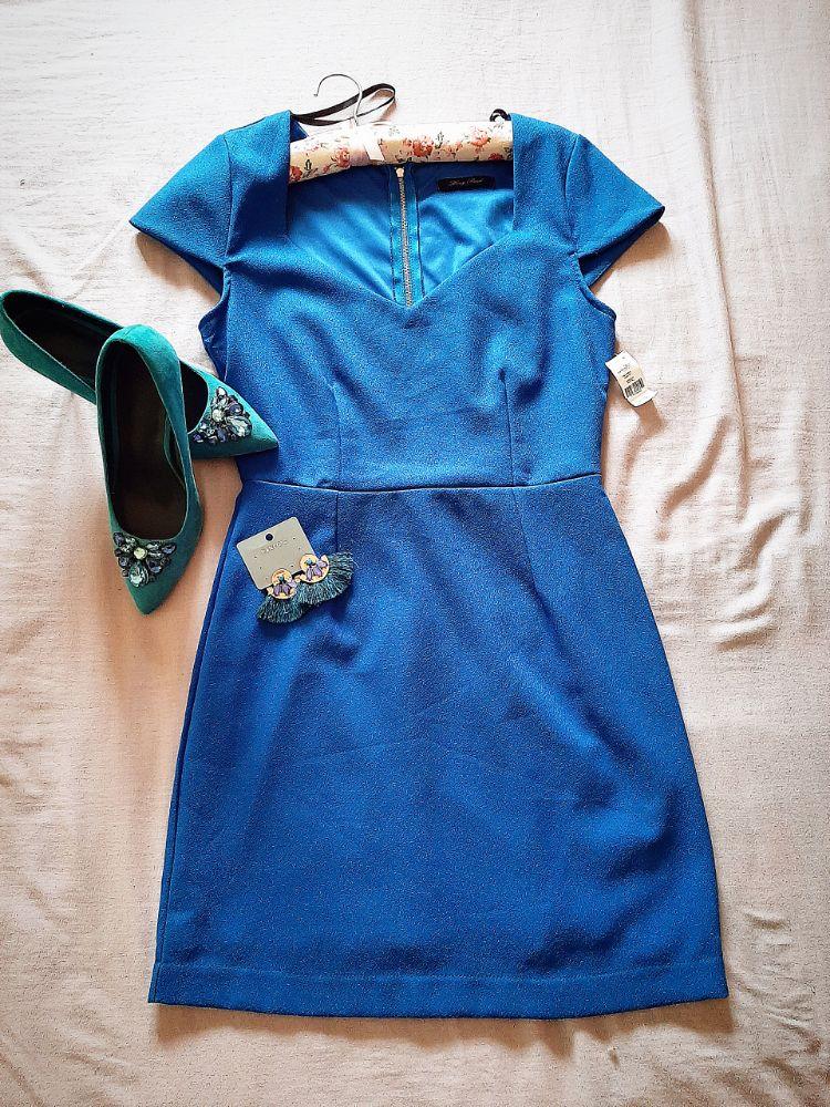 Une jolie robe avec etiquette