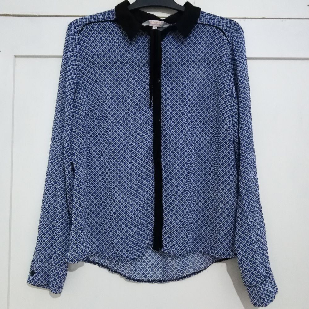 Chemise bleue classe