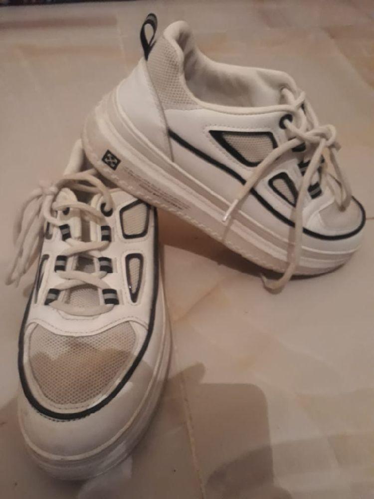 Basket blanc et noir