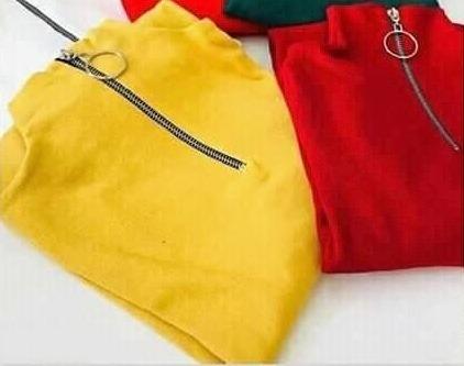 Pull col zippé couleur jaune, tt neuf