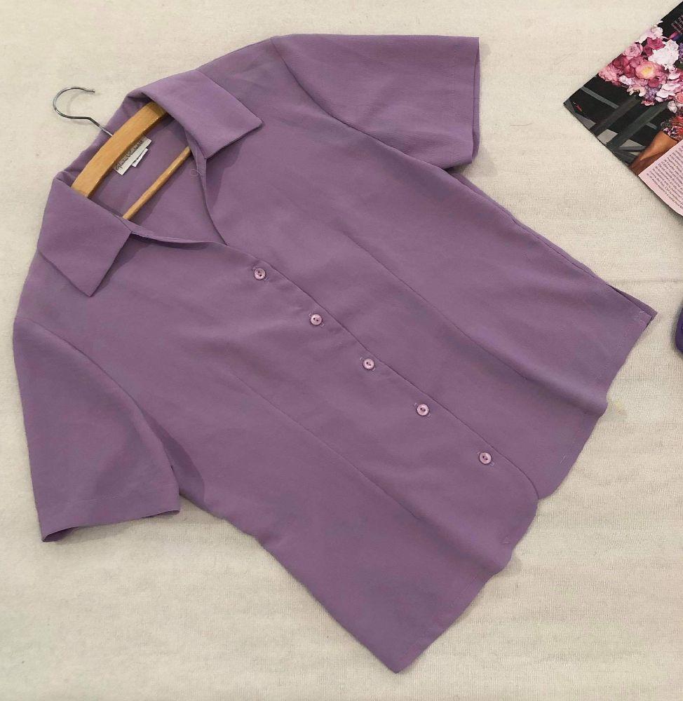 Chemise couleur lilas+ pantalon noir