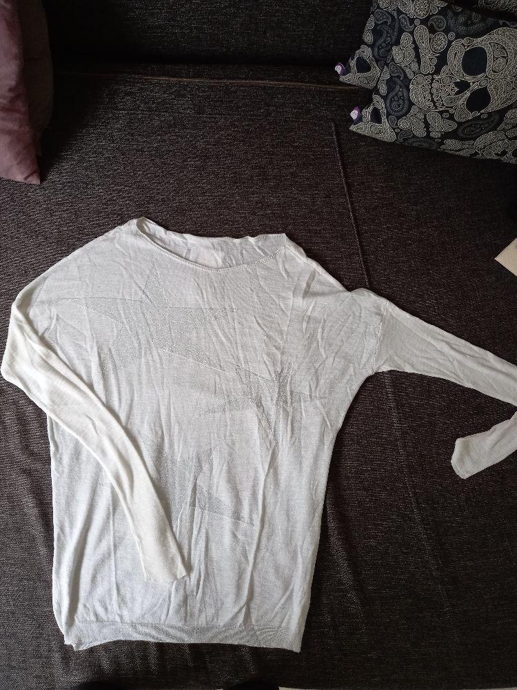 Pull blanc motif etoile