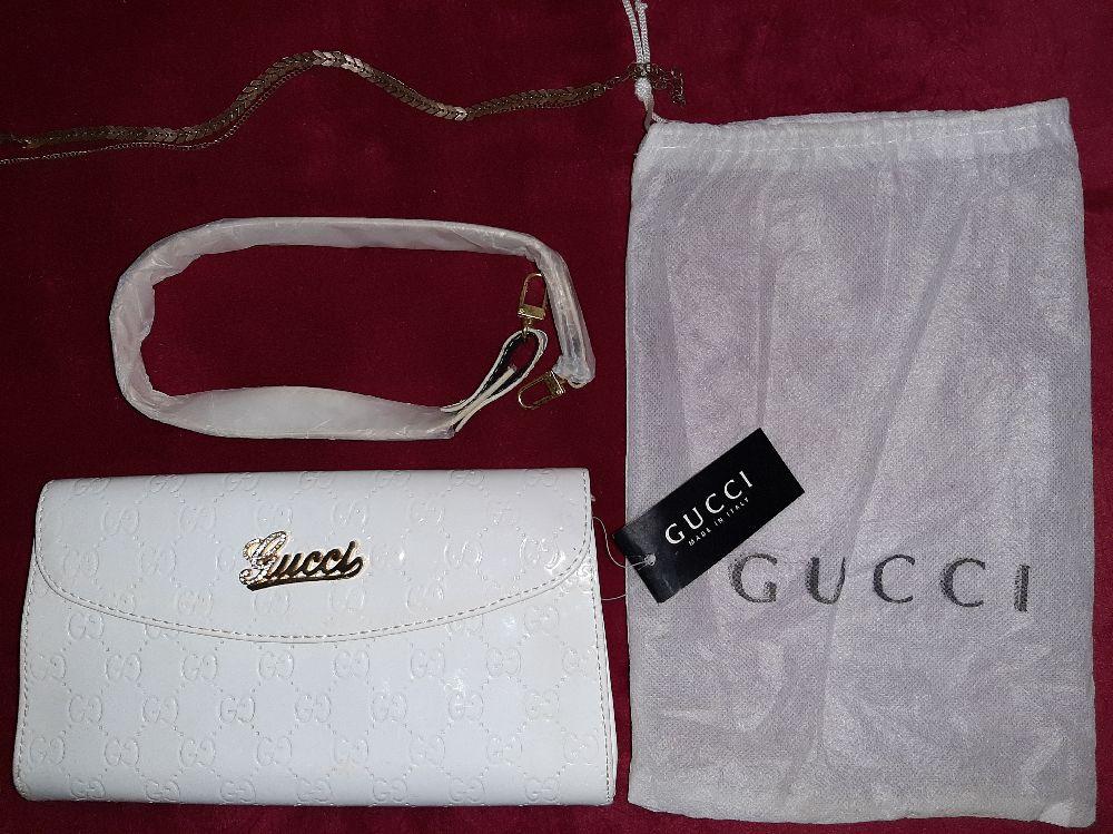 Pochette authetique neuve Gucci importée