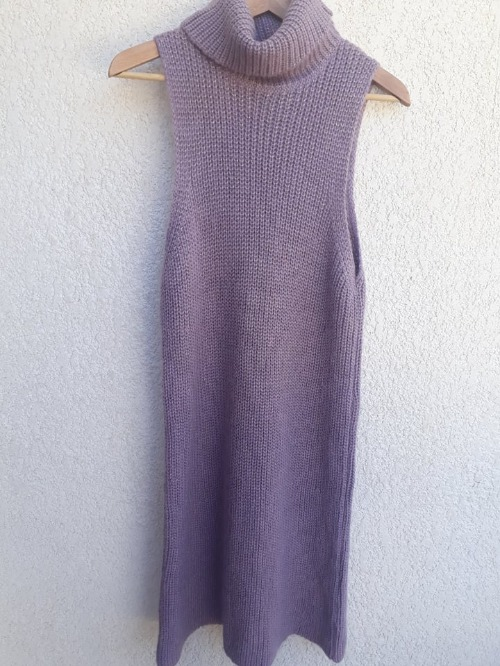 ROBE-PULL COL MONTANT