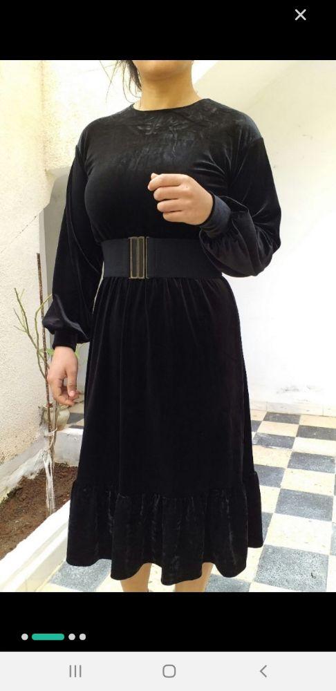 Ce très chic robe velour noir tendance