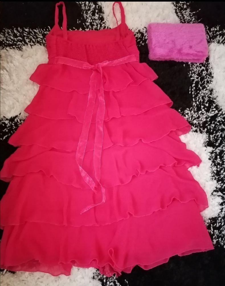 Robe rose à volants