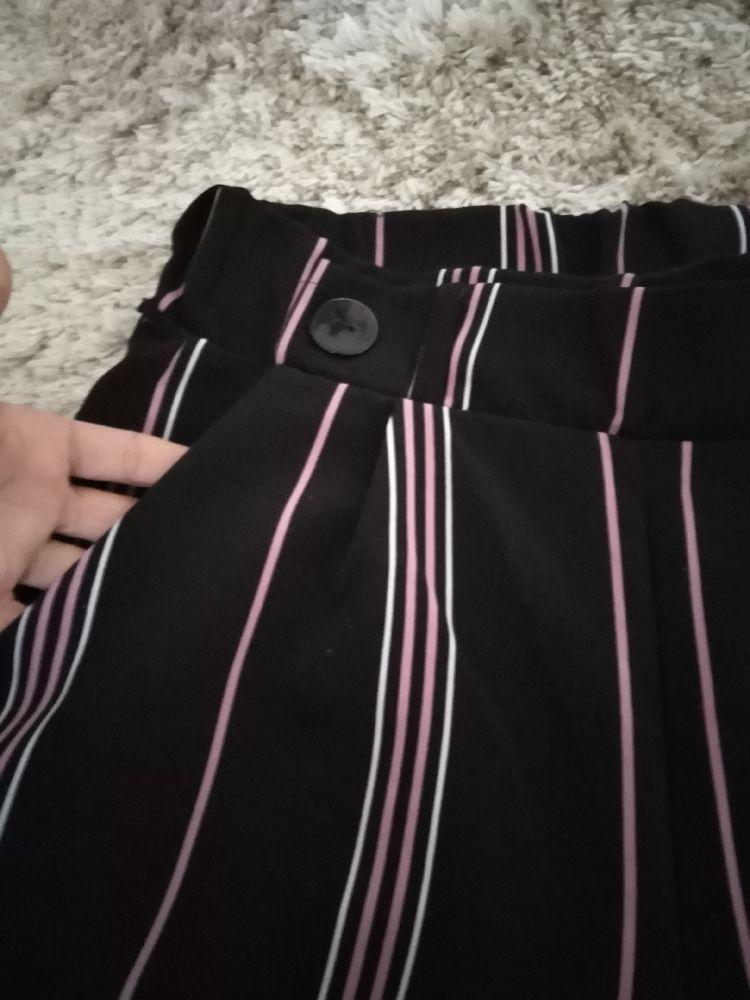 Pantalon large à rayures très tendance taille M la marque Gérard