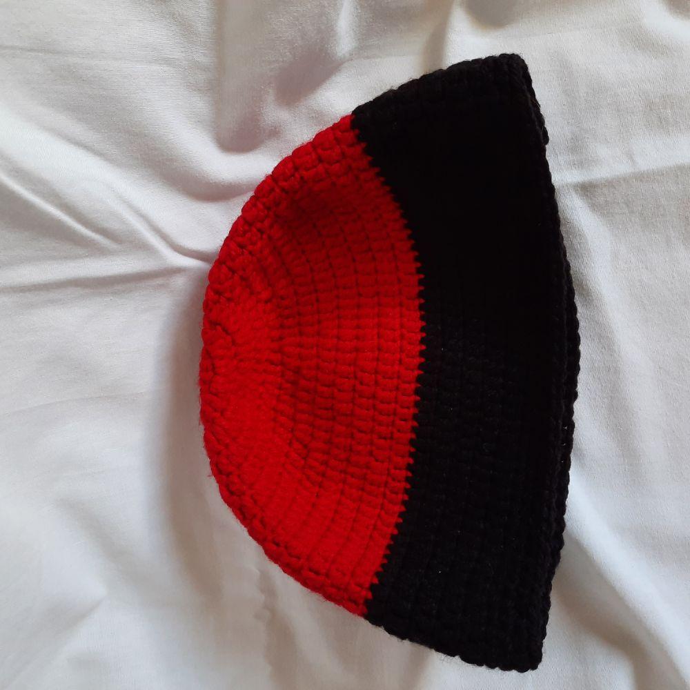 Bonnet EST en crochet hand made