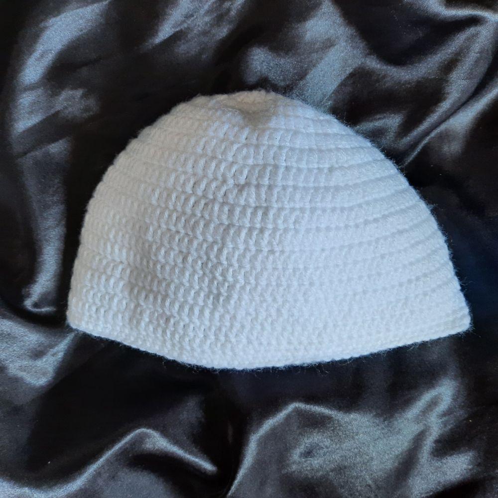Bonnet blanche en laine Hand made