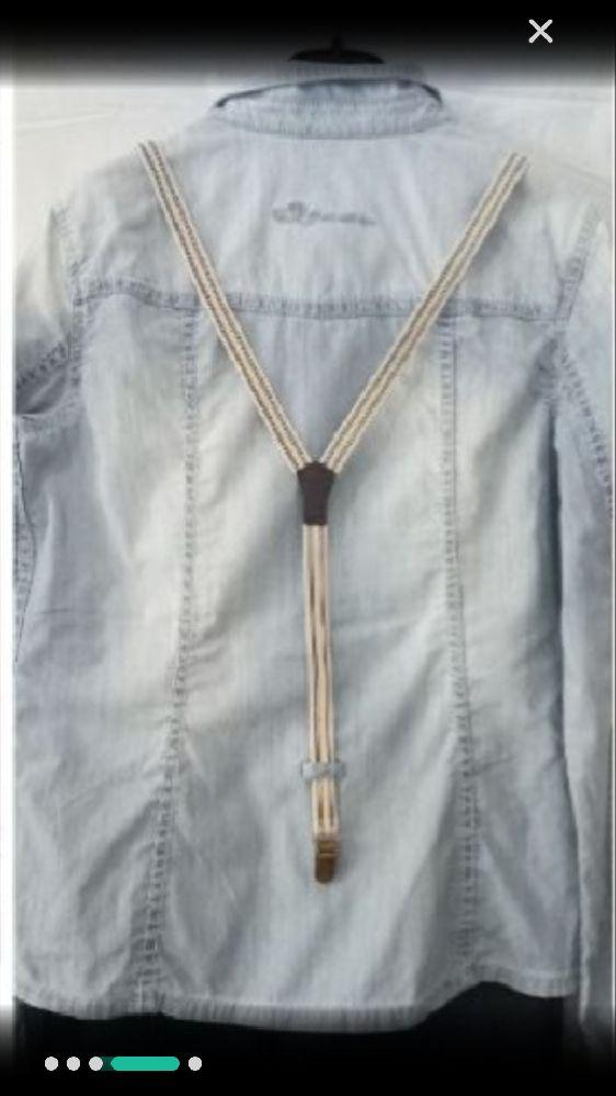 Une chemise stylée en jean avec beaucoup de détails accompagnee de ces bretelles accrochées jamais portée taille M de la marque EDC
