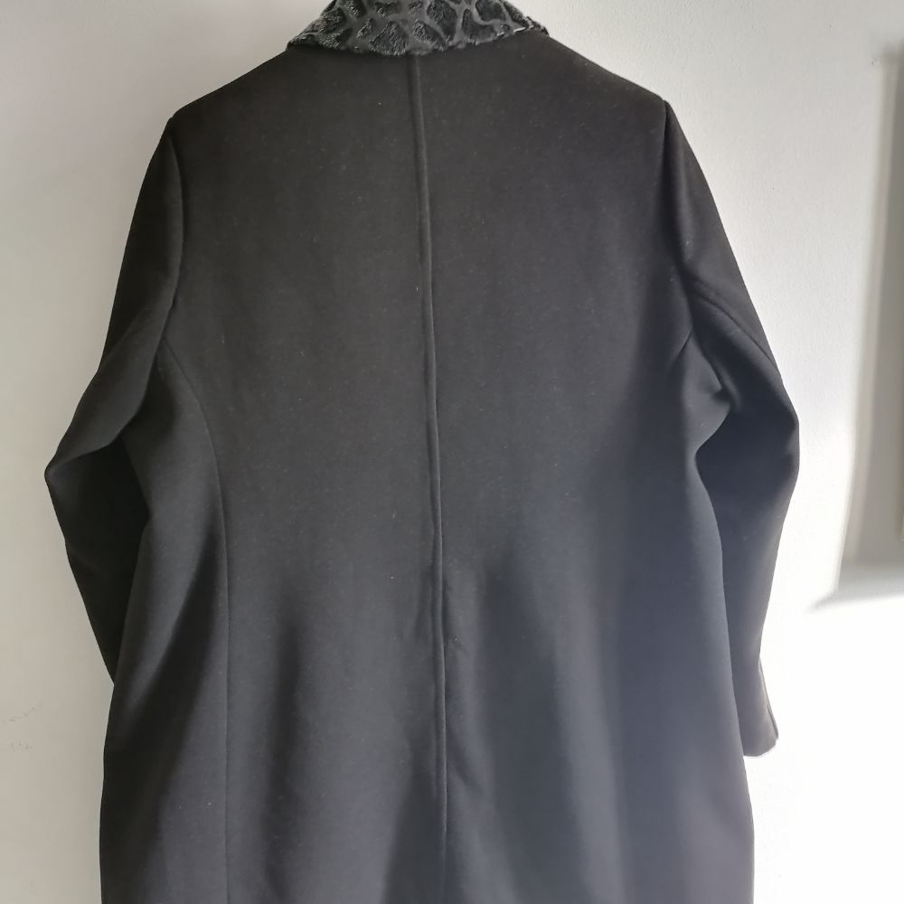 Manteau cashemire taille 52 col cuir et fourrure
