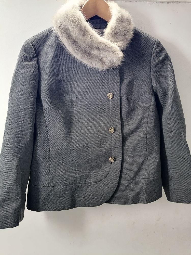 Belle Veste manteau avec vrai fourrure