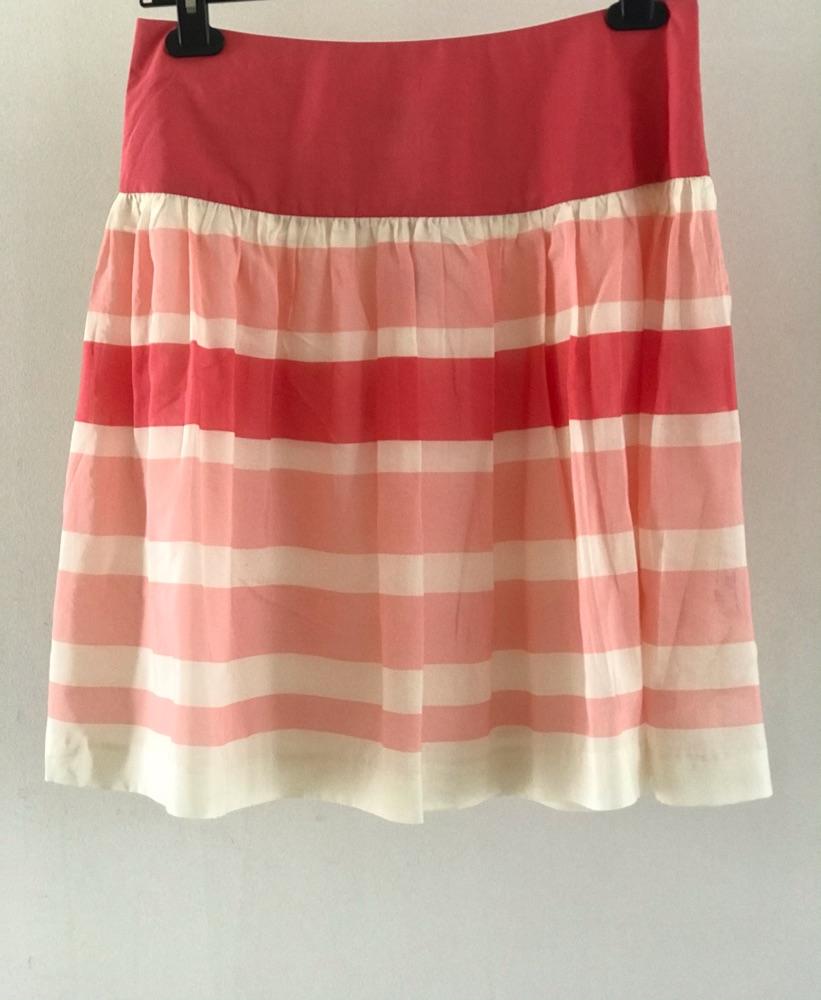 Magnifique jupe neuf avec etiquette de GAP