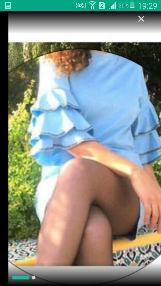 Robe courte en bleu ciel manches bouffantes