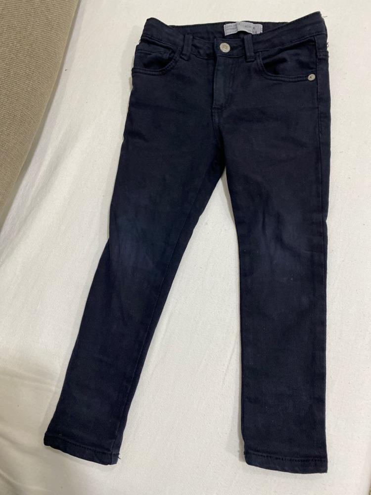 Pantalon jean Zara en noir à bas prix 4 ans