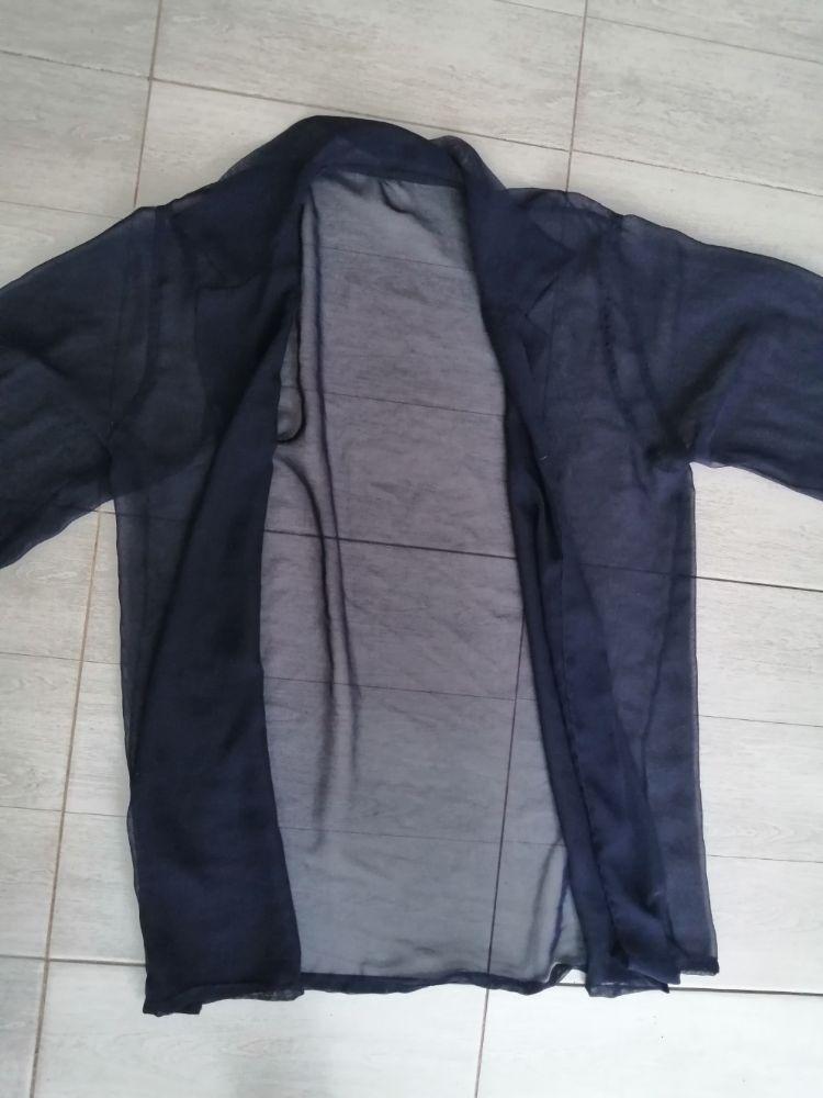Jilet transparente bleu marine avec des boutons manchettes doré très chic