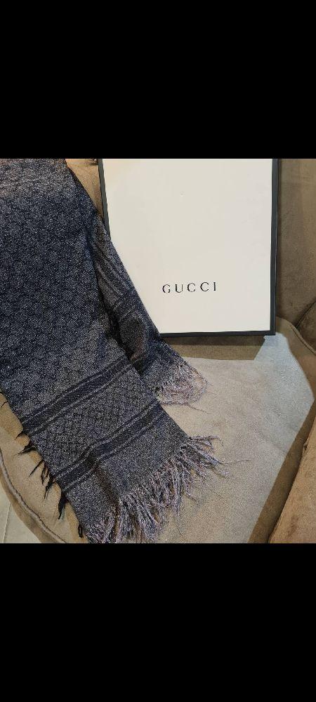 Châle en cachemire et soie Gucci monogrammé