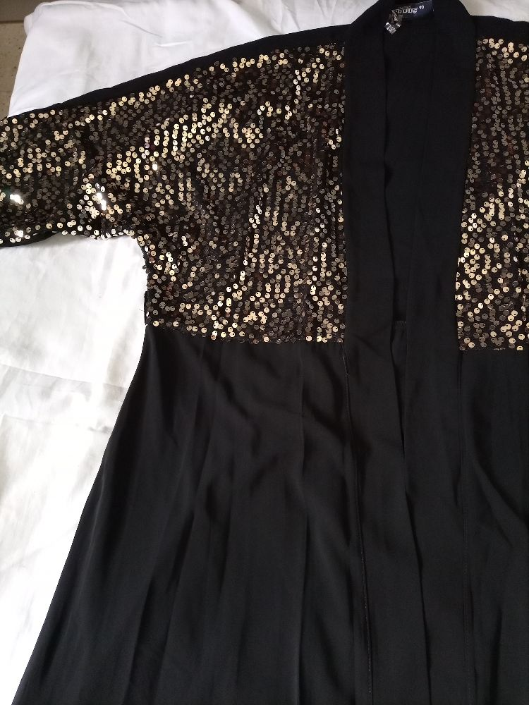 Abaya neuf jamais porté taille m