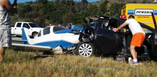One-dead-five-injured-small-plane-and-car-crash-on-San-Diego-freeway