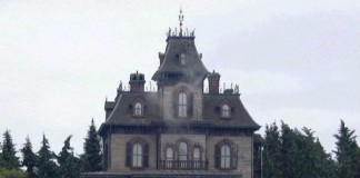 Worker-found-dead-in-Disneyland-Paris-haunted-house