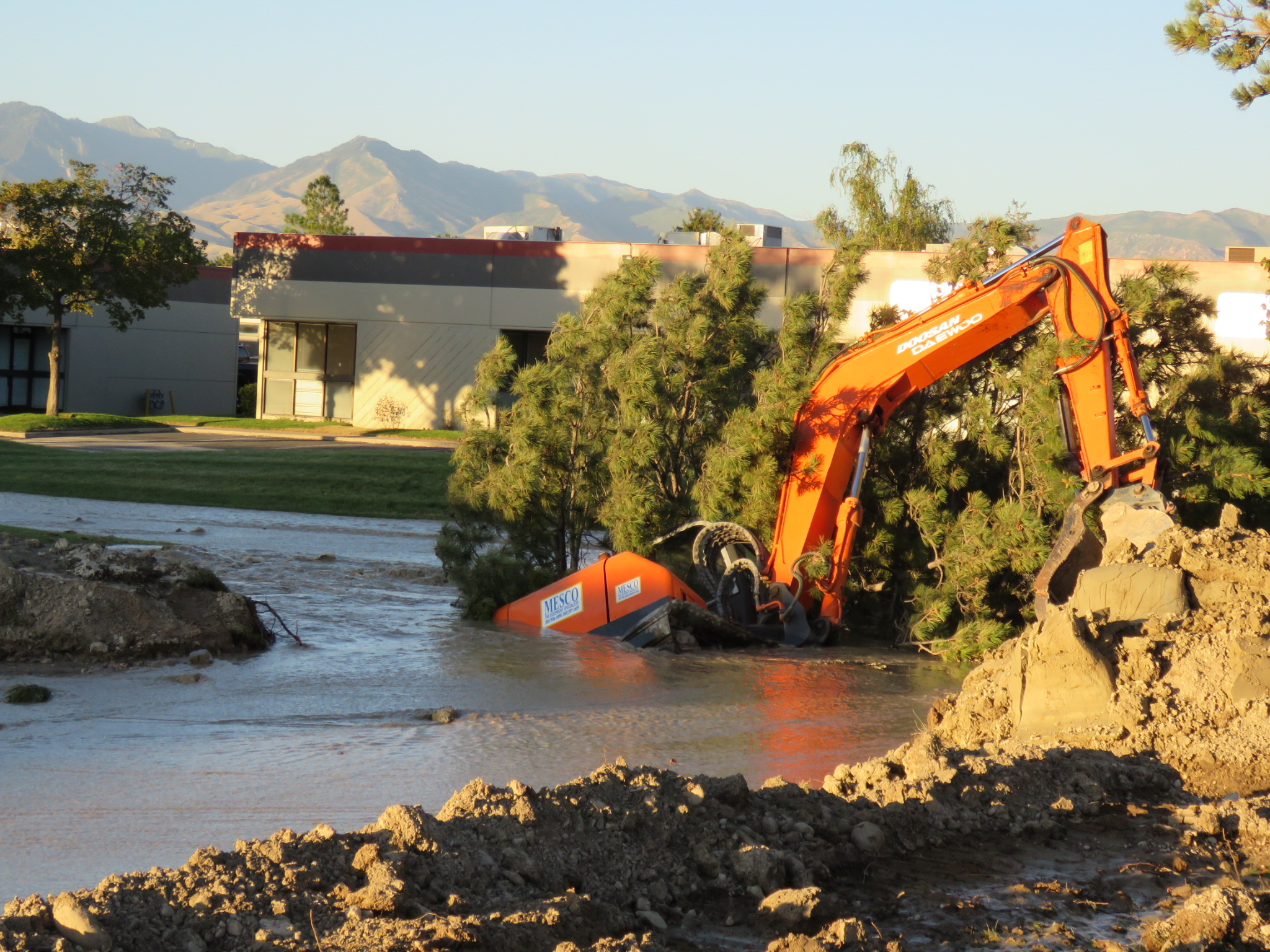 Water Main Break Causes Urban Flood In Salt Lake City | Gephardt Daily