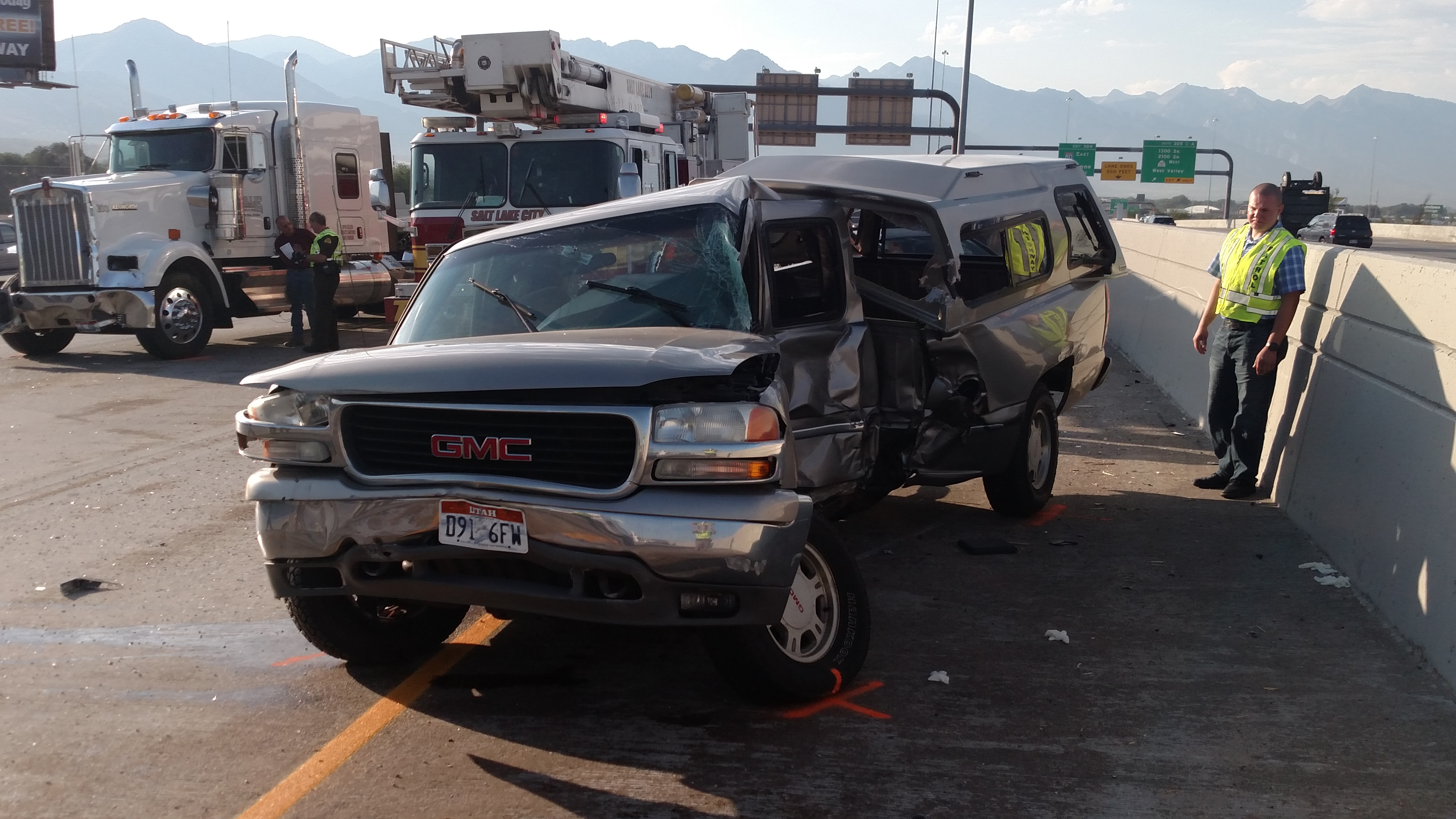 Five lanes of I-15 closed at 600 South after fatal accident ...