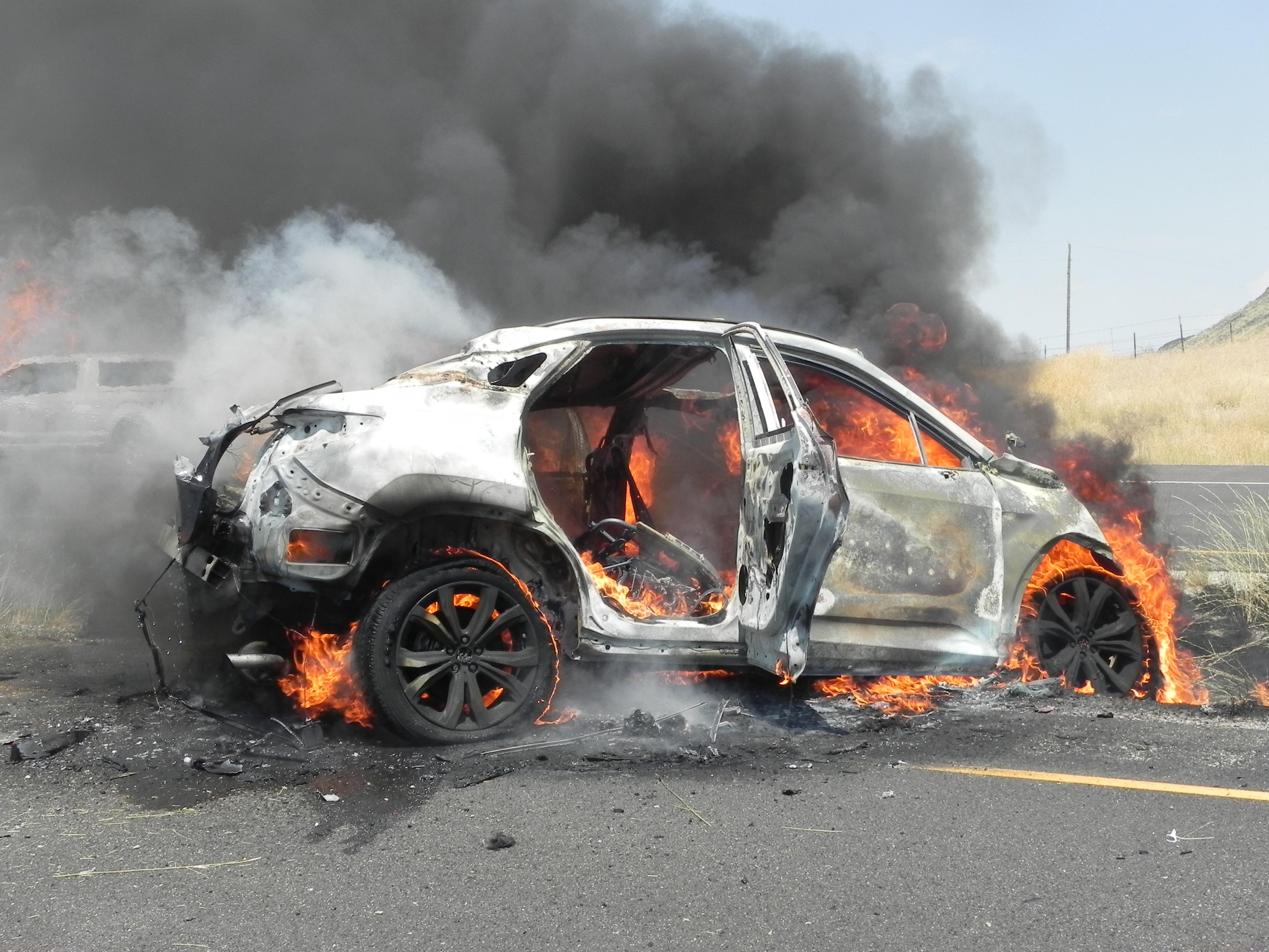 Update: 18-year-old killed in single-vehicle crash on I-84 near