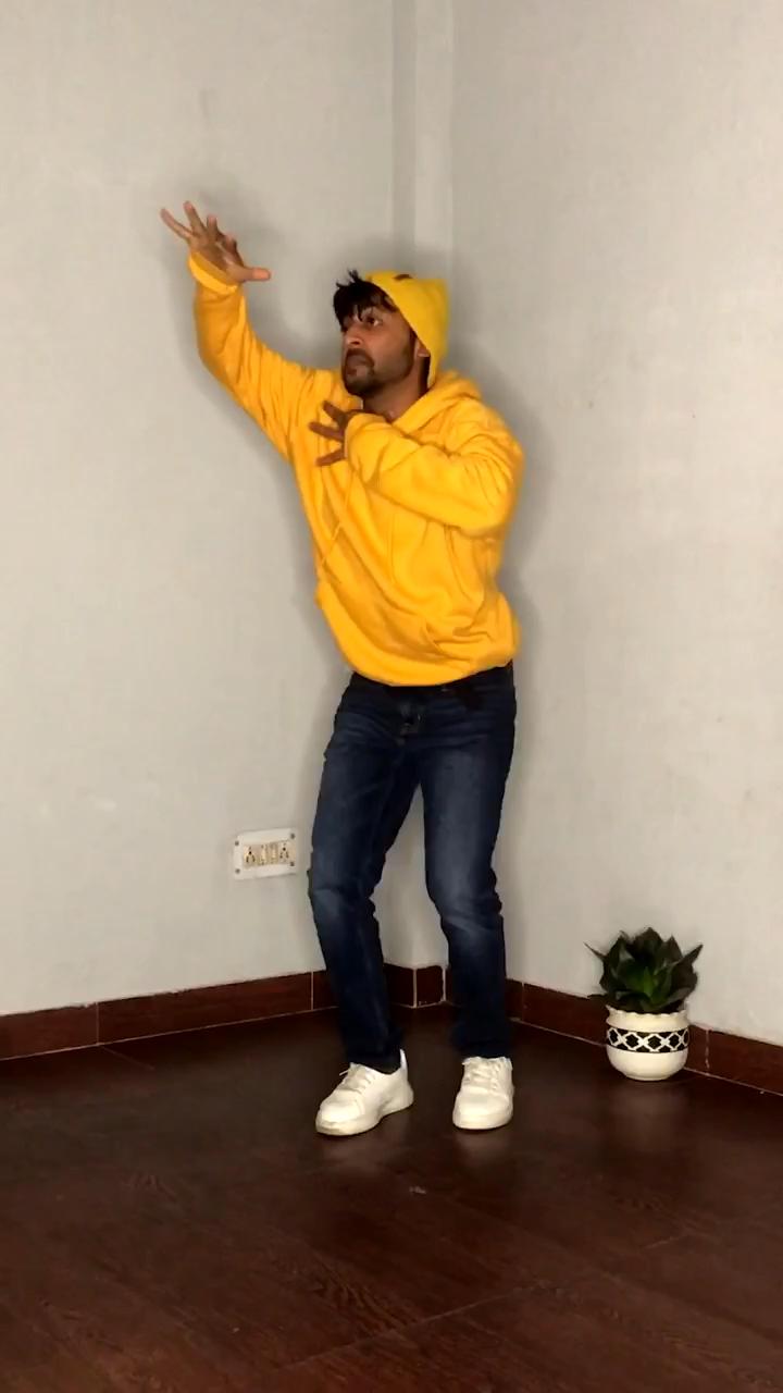 tujhe kitna chahne lage   dance cover