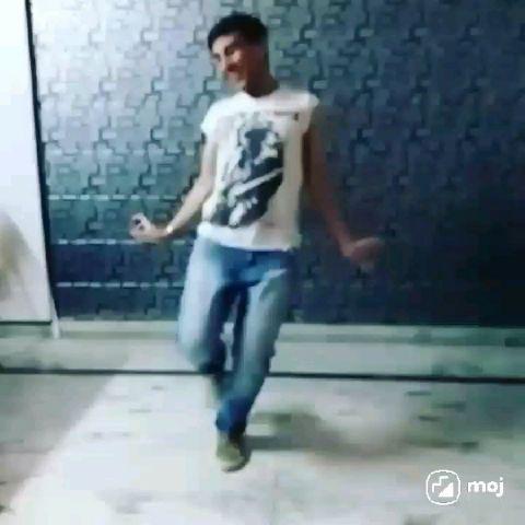श्याम नृत्य का प्रदर्शन बॉलीवुड सॉन्ग
