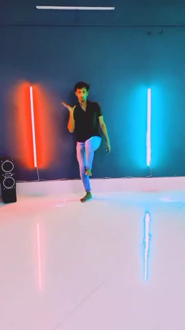 Main yahaan Hu    upen dance video