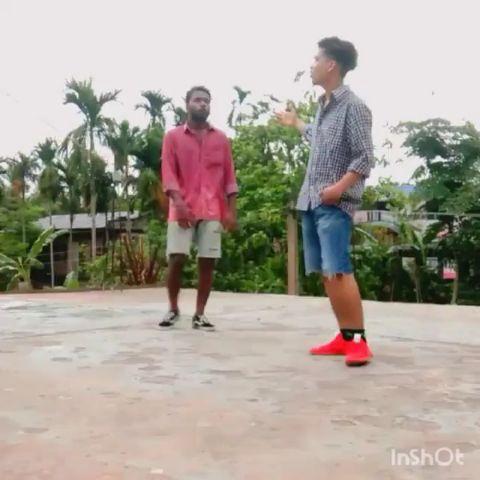 boht din ko bad bhai ke sath ak chota sa Hip Hop choreo i hop u like it enjoy it
