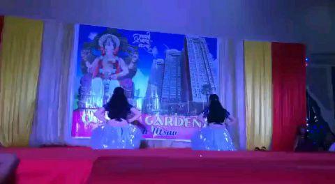 Tribute to Madhuri Dixit Nene - duet performance