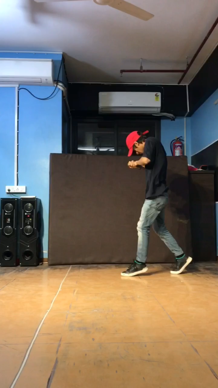 Tere mere | Dance By:- Aakash Avasthi