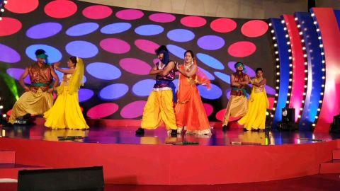 Udi Udi Jaye | Stage Performance | Rohan Rokade Choreography | RNG | Bolly Garba