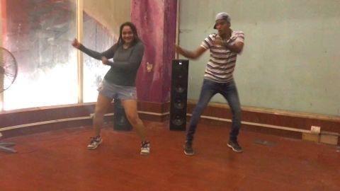 Khadake Glassy | Rohan Rokade & Priyanka Rokade | Duet Dance Performance