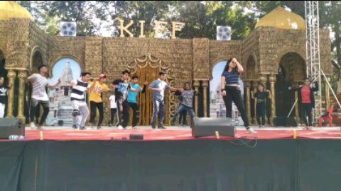 khudko kya samjhati hai   Stage rehearsal   Rng Show  